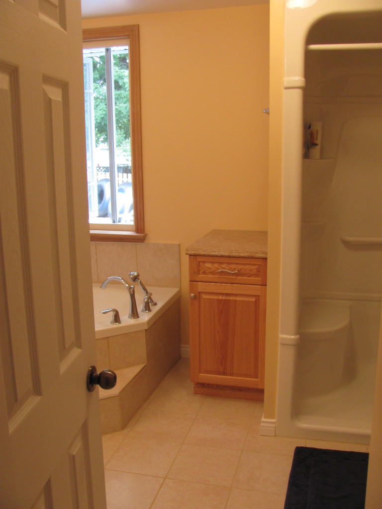 Huyvan home improvement ottawa bathroom renovations for Bathroom design ottawa