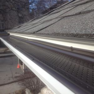 Smart Screen Eavestrough Protection